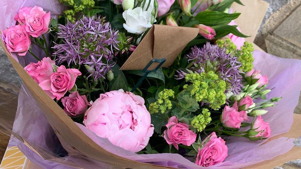Aqua-Pack Gift Bouquet