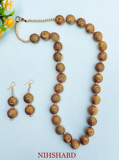 Classic Golden Stone Oxidized Necklace