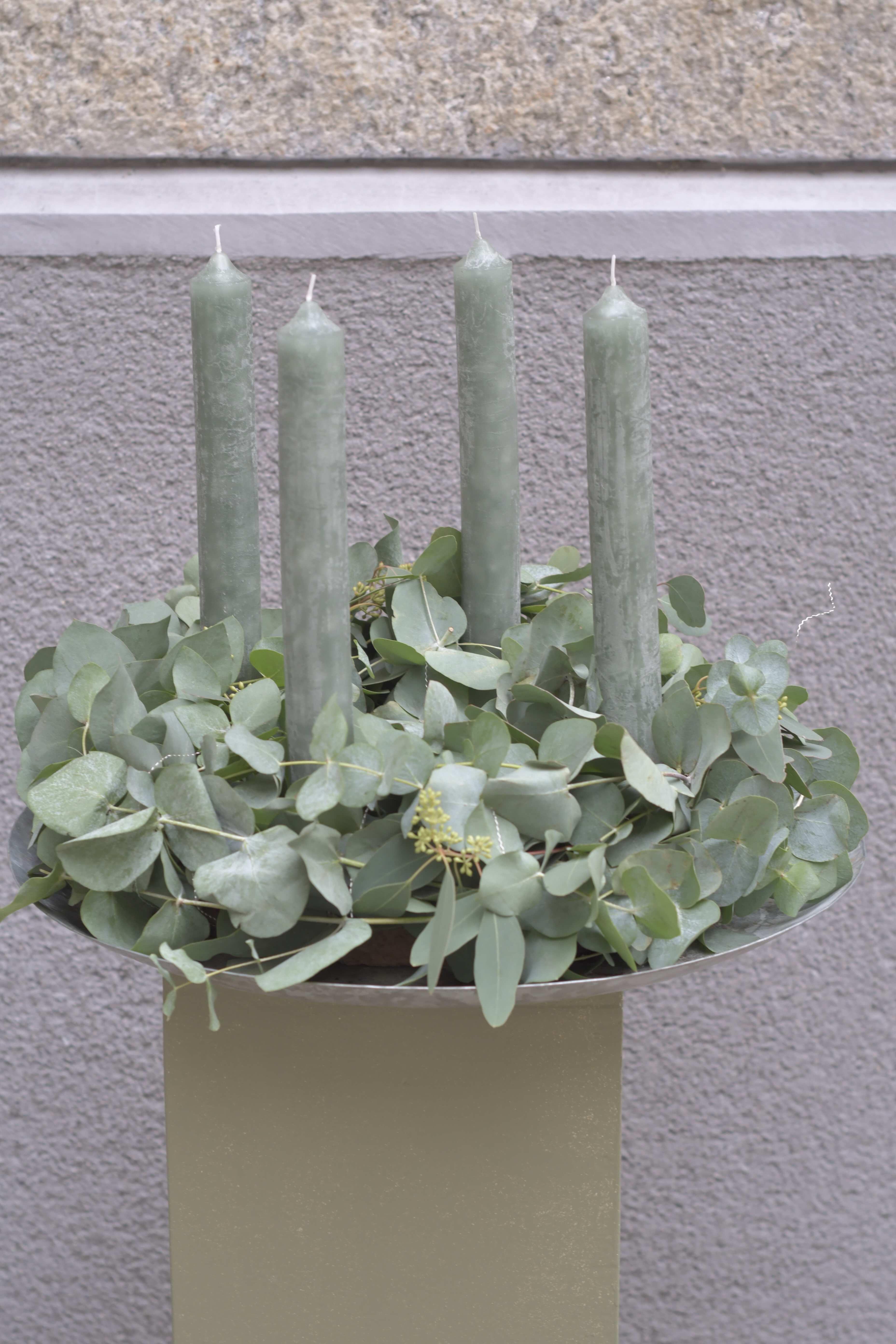 Adventskranz Eukalyptus mit Stabkerze