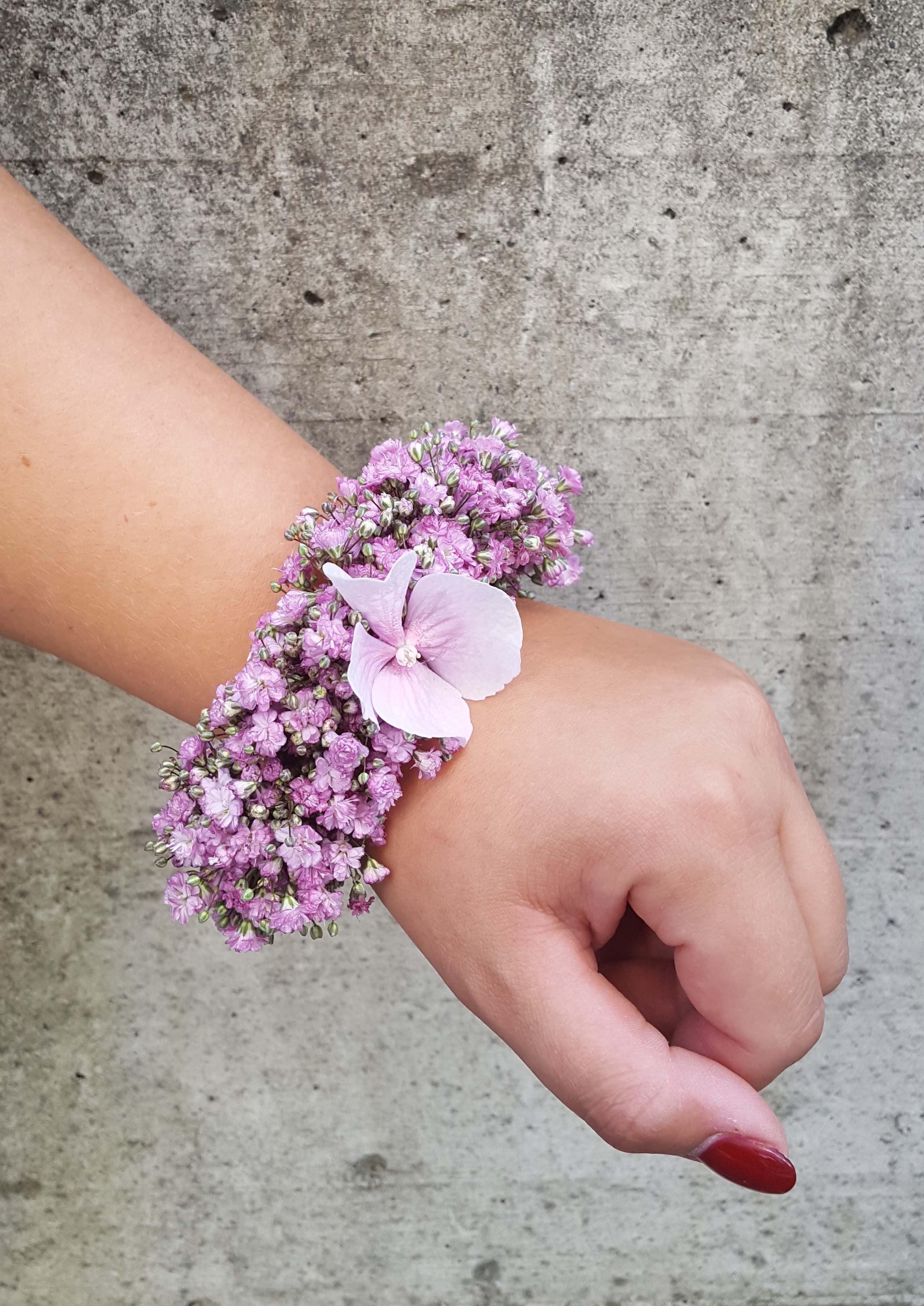 Armband aus Schleierkraut