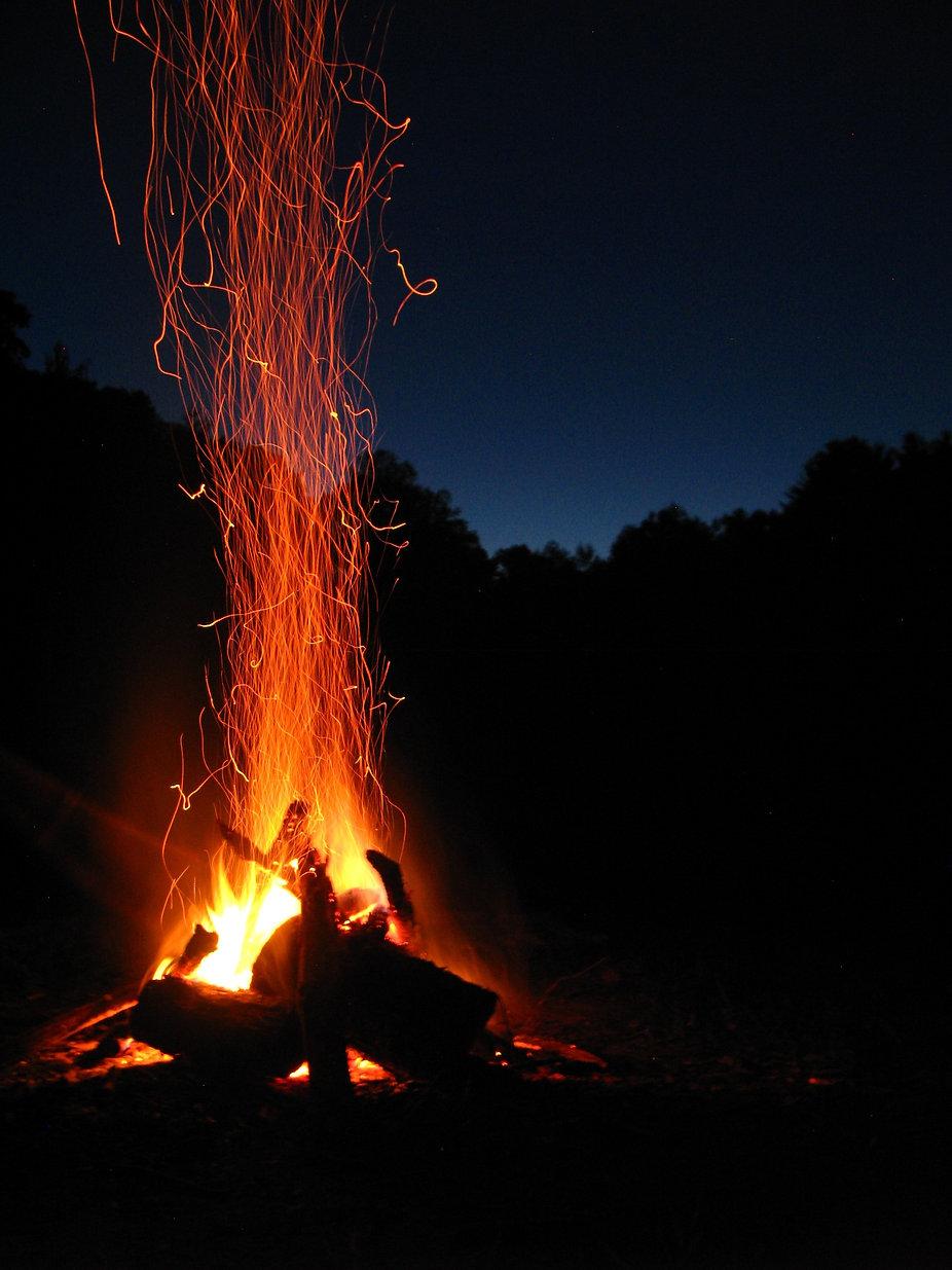 blaze-bonfire-campfire-266416.jpg