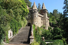 chateau-de-la-rochelambert.jpg