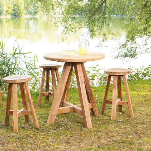 Castle bartable and rustic barchair