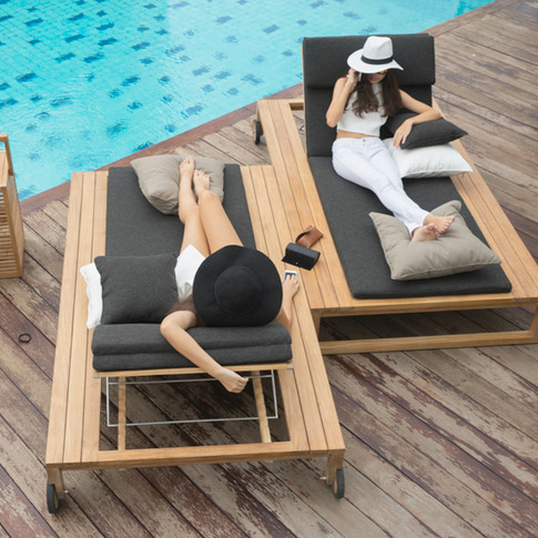 Stade loungers