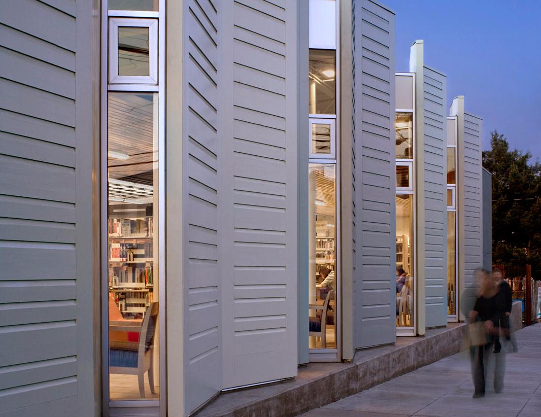 Portola Branch Library Exterior