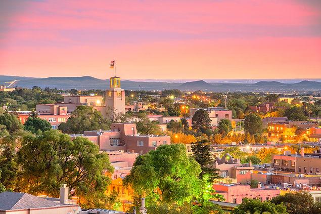 Santa Fe, New Mexico, USA downtown skyli