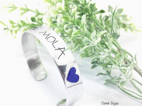 Brazalete personalizado con corazón en color