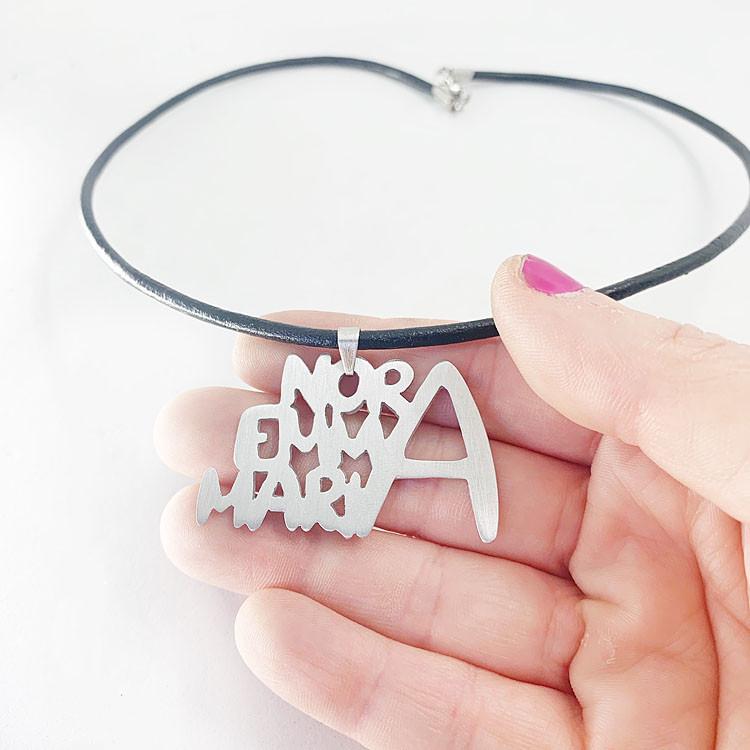 colgante personalizado con nombres osmit joyas
