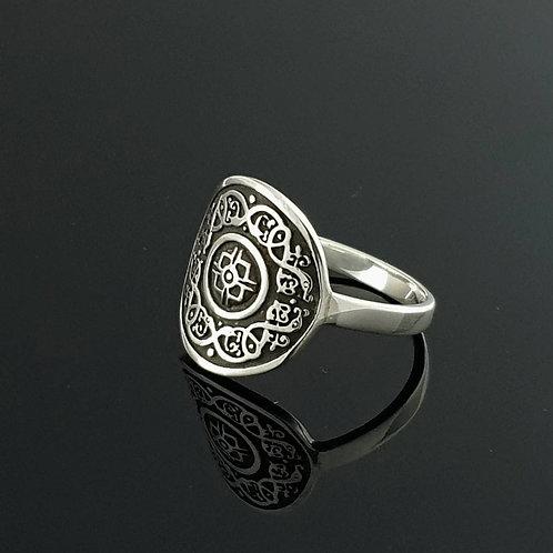 Celtic Shield Ring - Sterling Silver