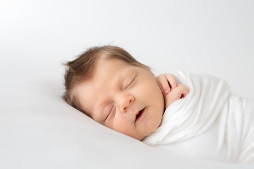 newborn (17 of 27).jpg