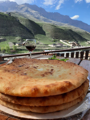 Связь в горах и еда.jpg