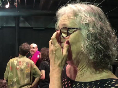 Vídeos: Ricardo Gadelha e sua mãe falam sobre espetáculo Solo Protocolo