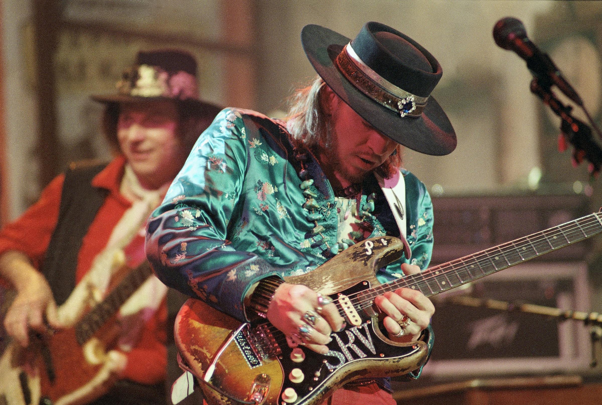 TN - Memphis - bluesman