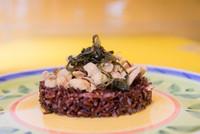 riso rosso straccetti di pollo e cicoria