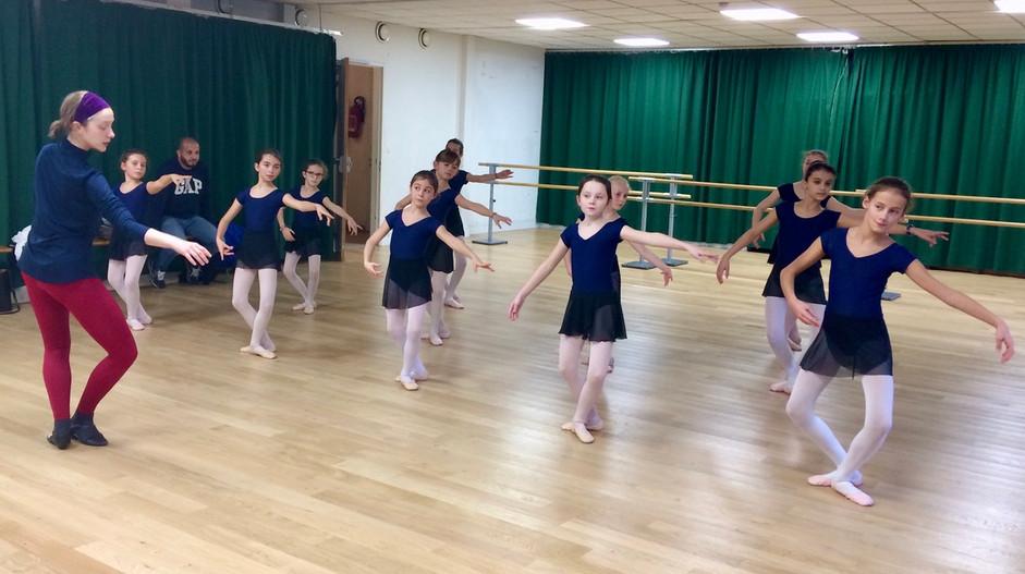 Danse classique - niveau moyen - COMME ON DANSE !