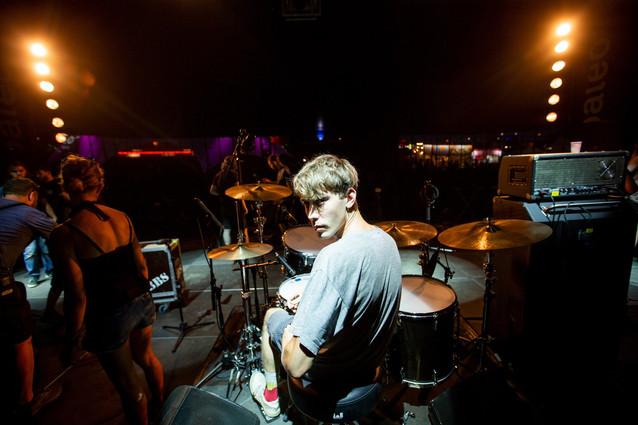 Julien Setluap drummer of The Da Freak sound checking