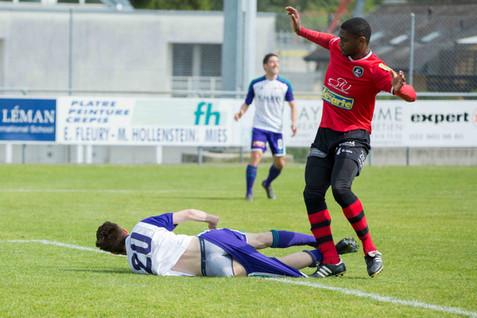 Coppet, Rojalets, Football, 1re ligue, US Terre Sainte - FC Monthey à Coppet. Behar Bajrami (Coppet)