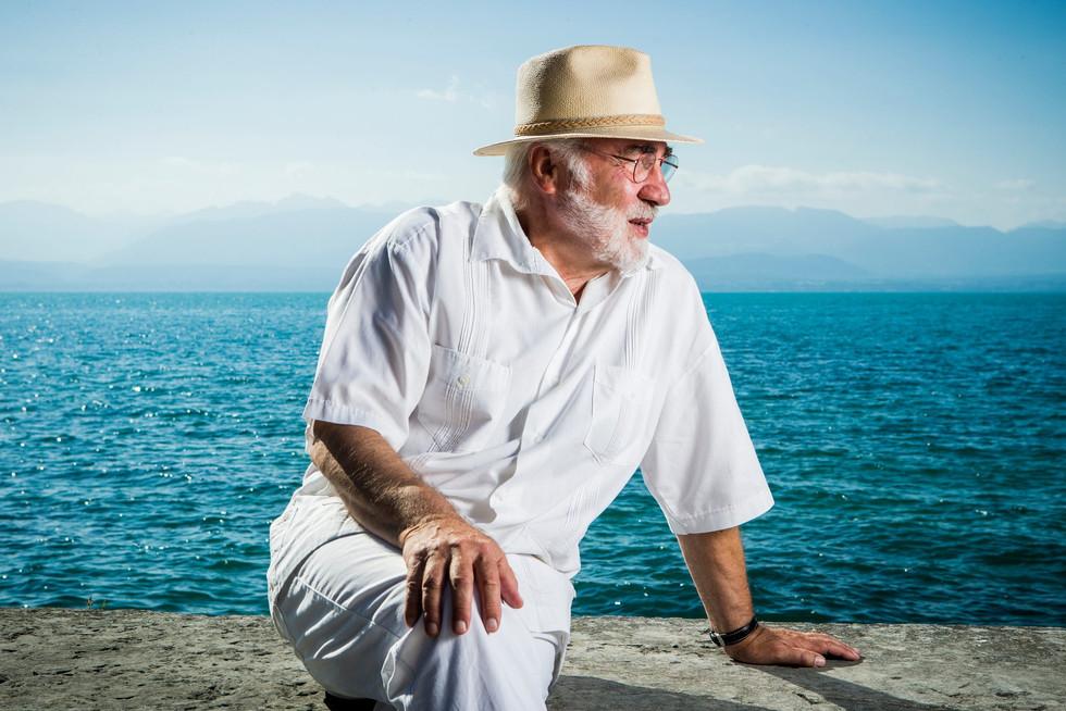 Serge Heughebært écrit pour échapper à la pesanteur