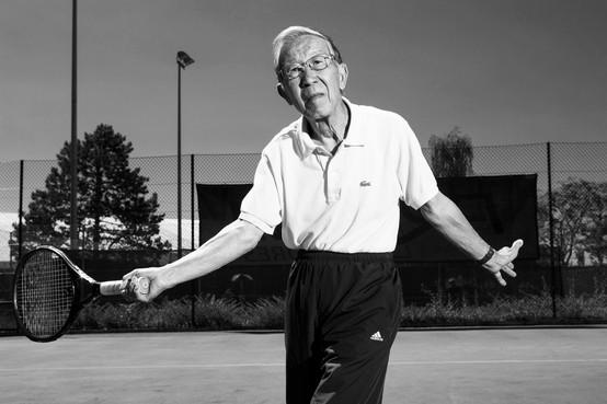 Kar Liang, senior tennis player