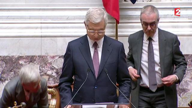 Serge Grouard entonne la marseillaise à l'assemblée nationale - 13/01/2015