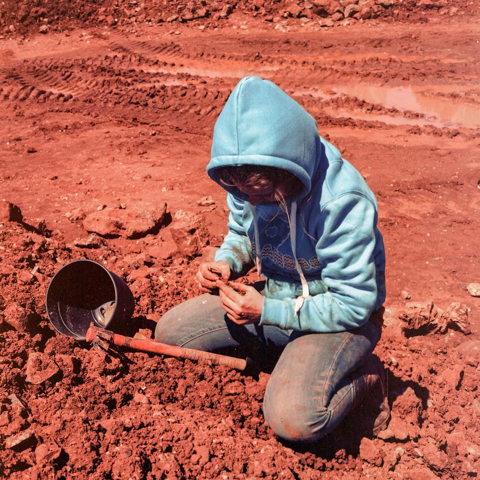 Amanda Crystal Digging