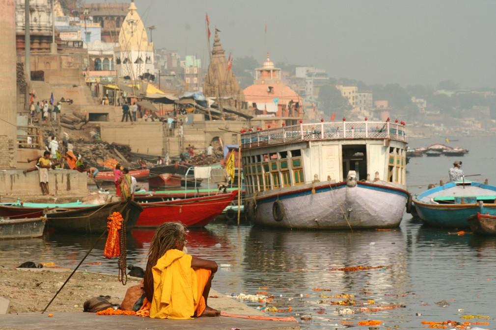 Kashi - Saadhu meditating
