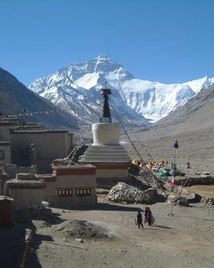 Rongbuk stupa with Chomulangma at rear.J