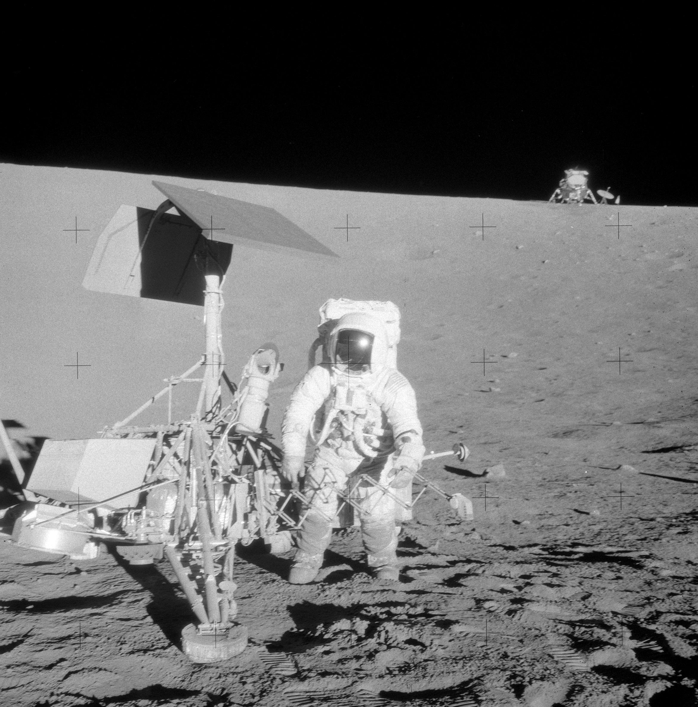Apollo_12_and_Surveyor_7135