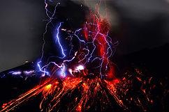 thunder-lightining-affect-in-volcano-geo