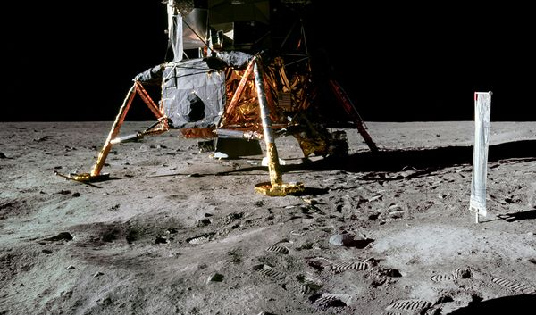 moon+hoax+objects+left+behind