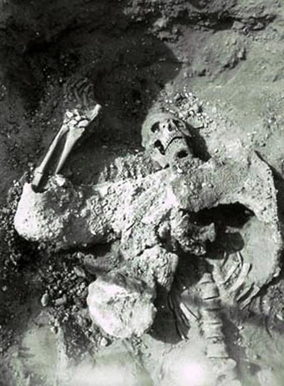 Restos del soldado persa con su armadura en Dura Europos