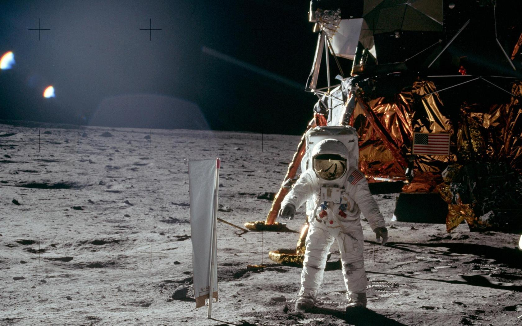 apollo_11_moon_landing