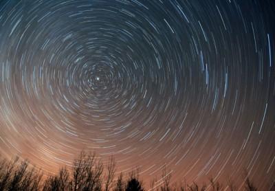 Star-trails-45mins-March27_2011S-400x278