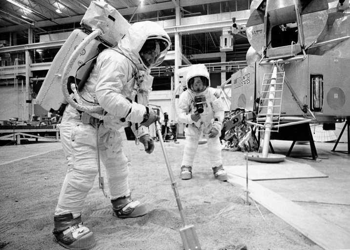 Apollo-inside-job-2
