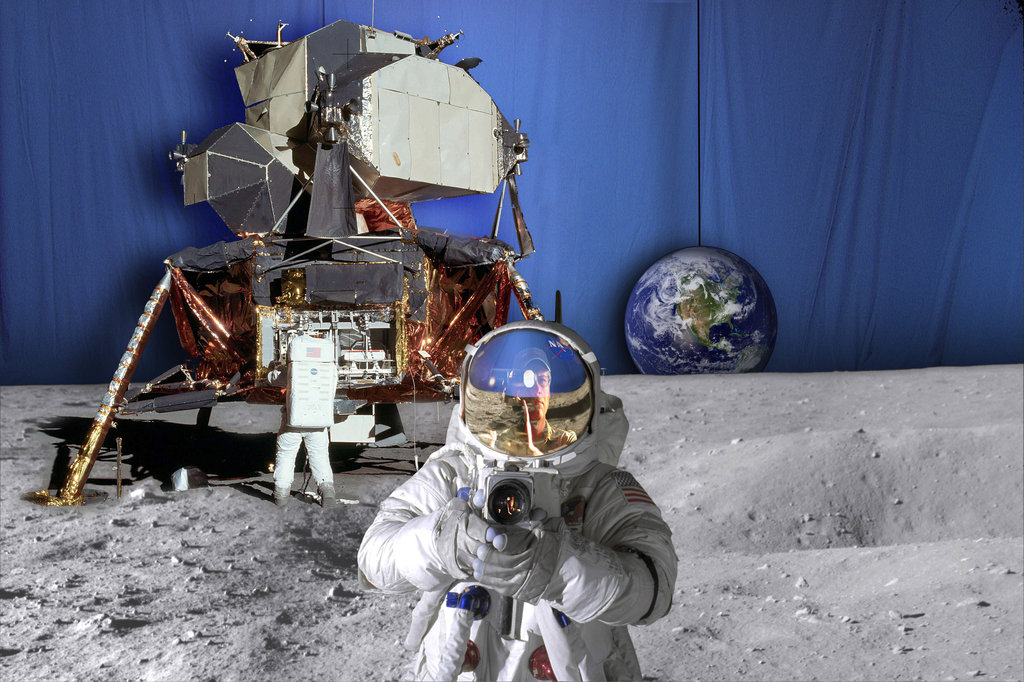 fake_moon_landing_by_carlosnumbertwo