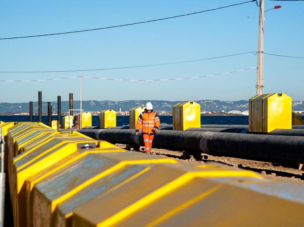 Mise en eau de plusieurs kilometres de pipelines