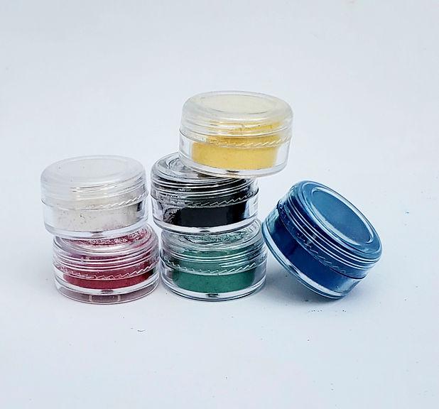 pigmentswblackandwhite.jpg