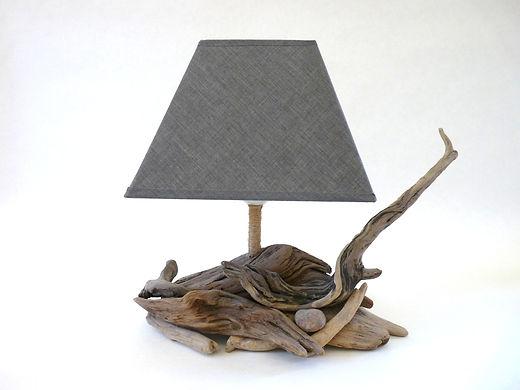 Lampes en bois flotté créés par Bois de l'île