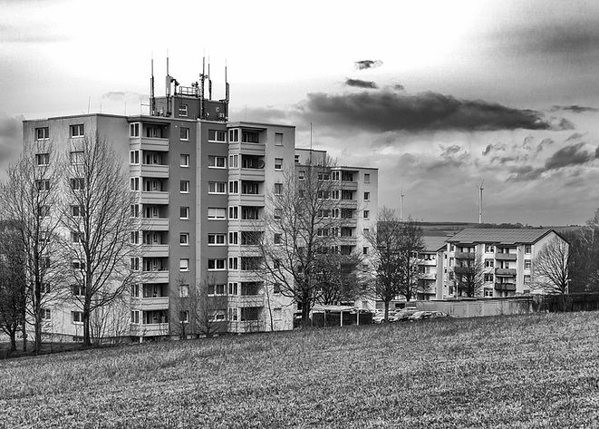 blocks-of-flats-3985494_1920.jpg