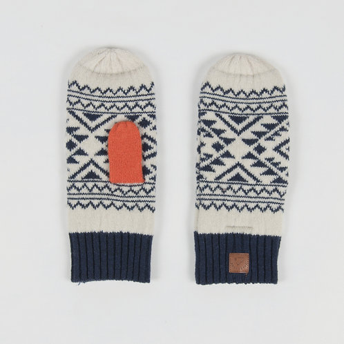 Passenger Clothing Canuck Mittens