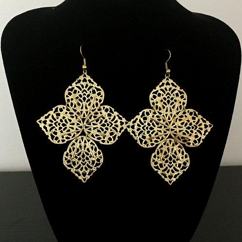 Beautiful Flower Design Earrings