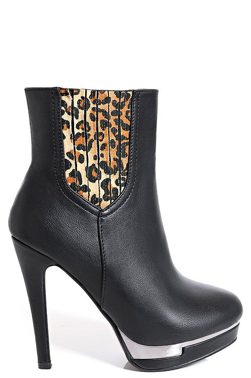 Leopard Print Ankle Boots in Black