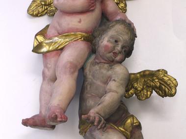 Engelspaar: linker Engel gereinigt- rechter Engel Vorzustand