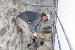 Kalkputzarbeiten am Mauerwerk