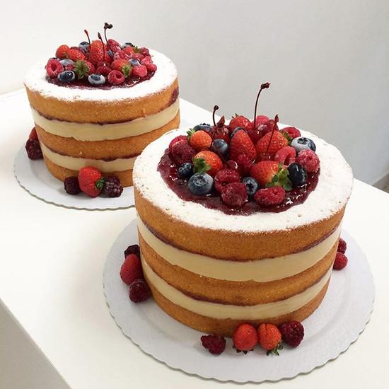 Duplinha linda!  Naked Cake: Massa amant