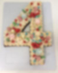 Number Cake cheio de balinhas, brigadeir