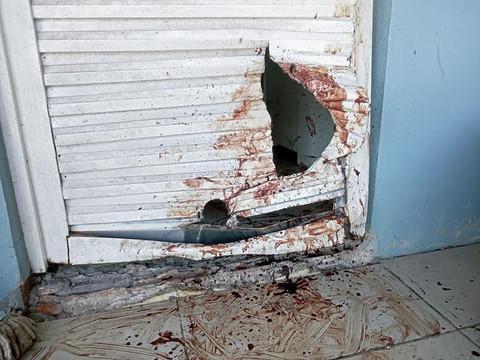 TAQUARI/RS: Cão atravessa porta para tentar escapar do barulho dos fogos