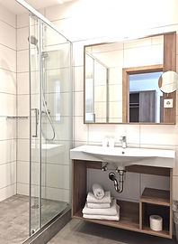 Komfortzimmer Pension Seelos Mieming Badezimmer