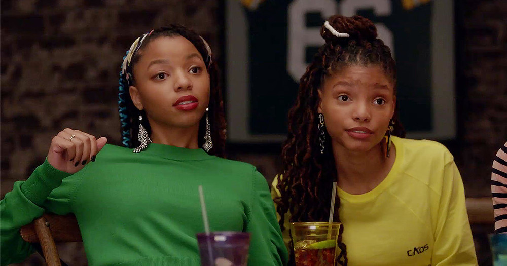 Chloe (l) & Halle as Jazlyn & Skylar Forster in Freeform's Grown-ish