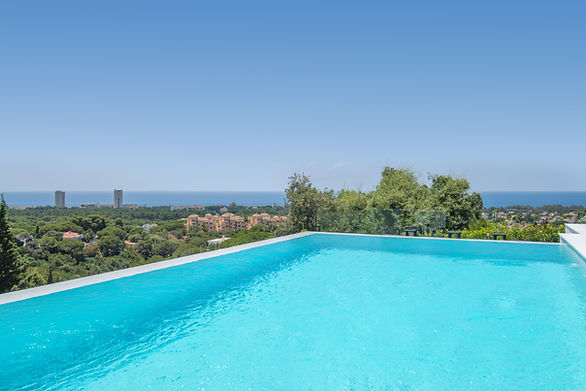 Sunrise Marbella with open view from the infinity pool and Hen do villas Marbella